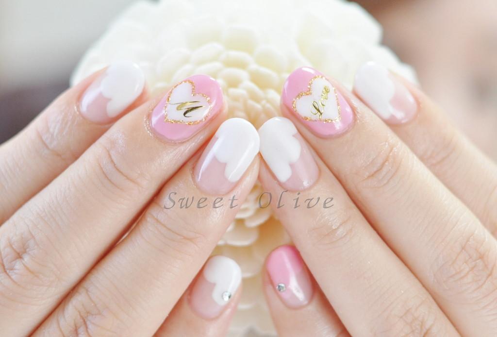 ピンク,ホワイト,もこもこフレンチ,ハート柄,イニシャル,ジェルネイル