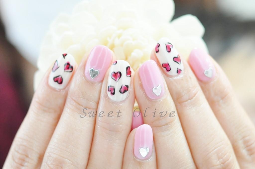 バレンタインネイル,ハート,手描き,キュート,可愛い,ピンク