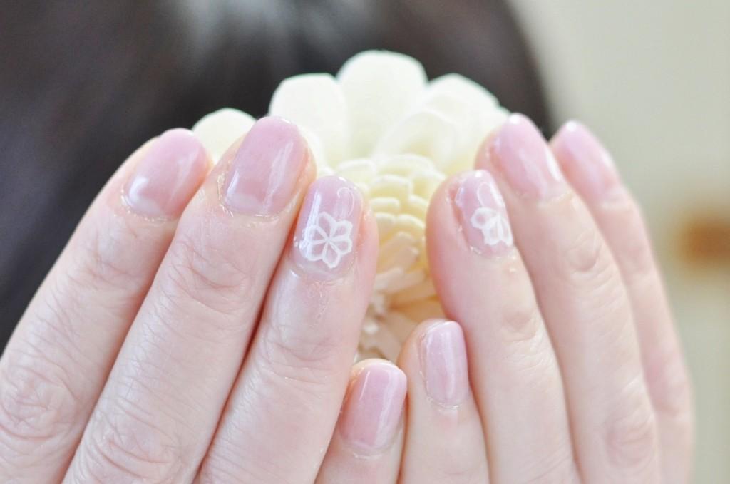 ツメキラネイルシール,白花,上品ネイル,薄桃色,グラデーション