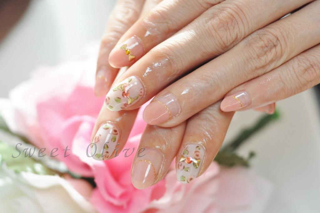ピンク,可愛い,オーバルフレンチ,春ネイル,薔薇柄,ローズ,手描き,バラ