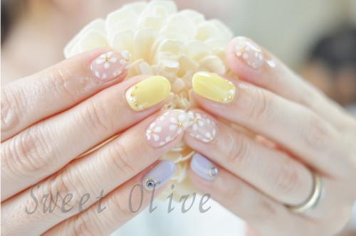 クリアベース,透明,小花柄,白,イエロー,黄色,紫,可愛い.ジェルネイル