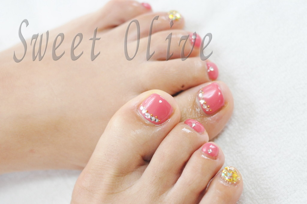 ピンク,オフィスフットネイル,ピンク,可愛い,ゴールド