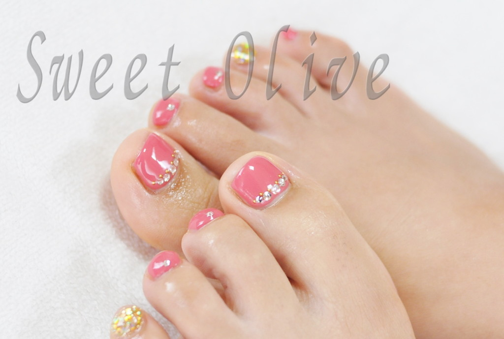 シンプル,可愛い,フットジェルネイル,ピンク,ゴールドラメ