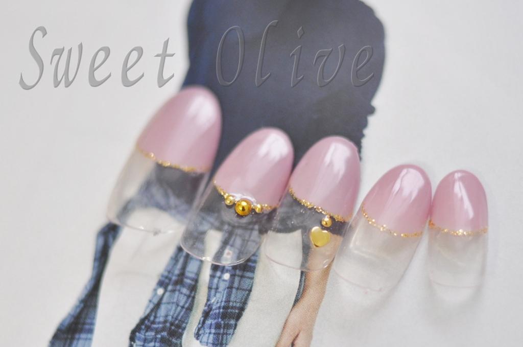 オフィスネイル,くすみ系ピンク,可愛い,ジェルネイル,ハートのネックレス