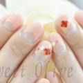 ヴァンクリ風パーツ,春ネイル,赤いお花,ジェルネイル,ベージュピンク,逆フレンチ