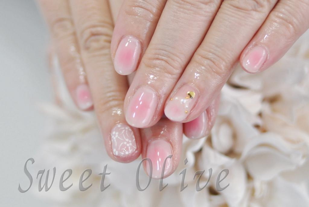 ホワイト,ピンク,チークネイル,頬紅,可愛い,大人,ハートネックレス,春ネイル