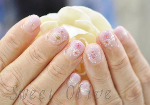 押し花,フラワー柄,花柄,ピンク,グラデーション,可愛い,春ネイル
