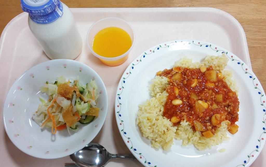 チリビーンズライス,にんじんゼリー,小学校給食試食会,自宅ネイルサロン