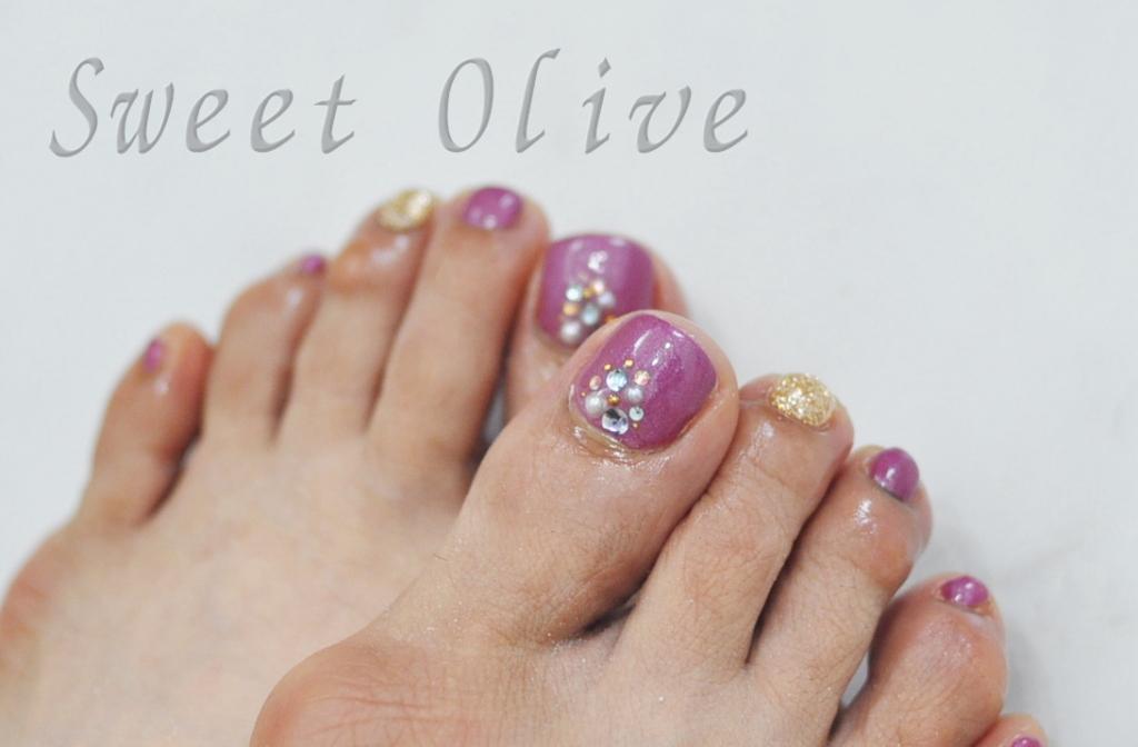 紫,パール,ローズピンク,フットジェルネイル,ゴールド,ビジュー,エスニック風,バレエ