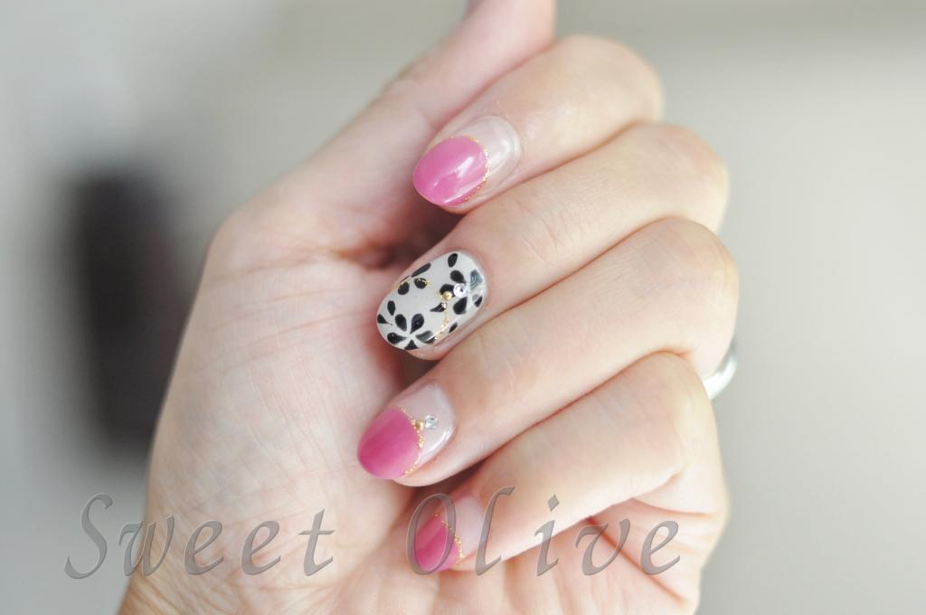 秋冬ネイル2016年,ピンクの丸フレンチ,大人,ネックレス風ネイル,黒,花柄,フラワー柄
