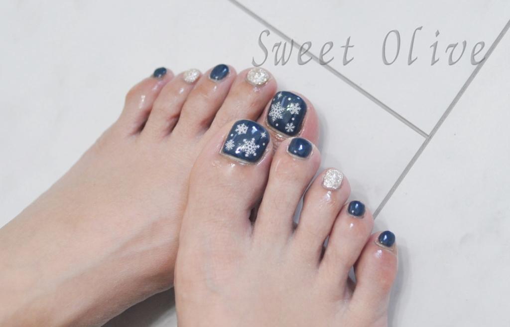 雪の結晶シール,冬フットジェルネイル,シルバー,紺色,ネイビー,春ネイル2018年