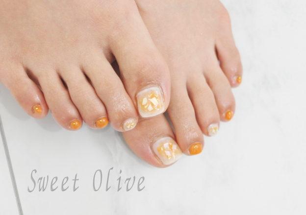 塗りかけネイル,オレンジ,白,フット初夏ジェルネイル2019年,貝殻,シェル