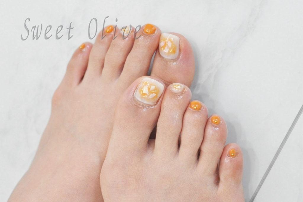 白,オレンジ,ニュアンスネイル,シェル,貝殻,夏フットジェルネイル2019年