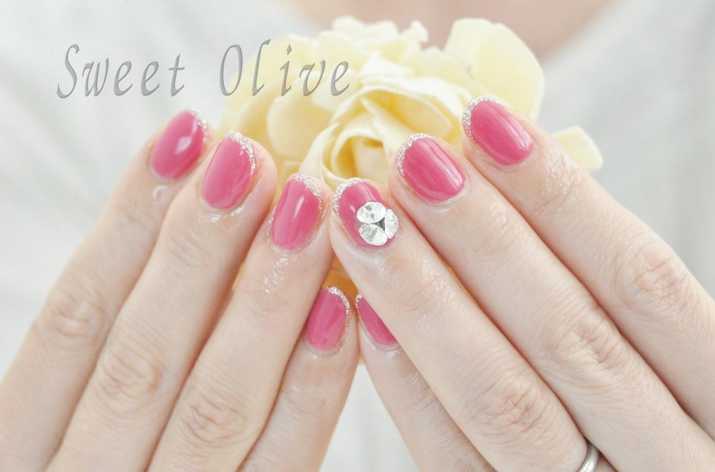ビビッドピンク,一色塗り,ワンカラー,3Dストーン,夏ネイル2020年