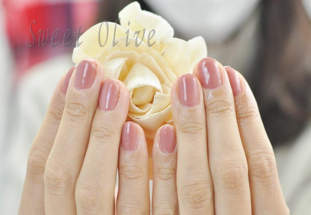 ピンクベージュ,ワンカラーネイル,一色塗りネイル,オフィスネイル,秋冬ネイル2020年