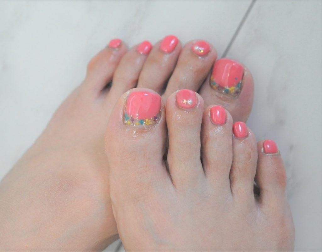 春色,ピンク,押し花,フラワー柄,春フットジェルネイル2021年