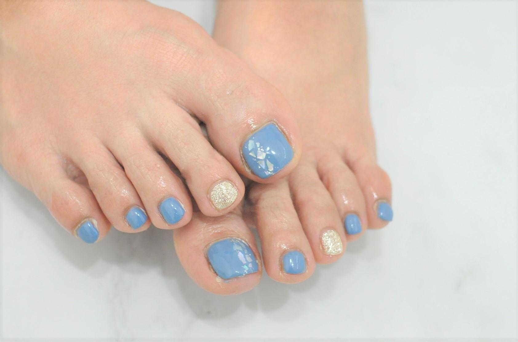 初夏フットジェルネイル2021年,水色,ブルー,シェル,シルバーラメ