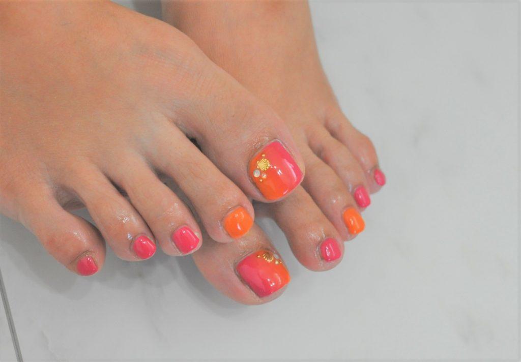 縦グラデーション,夏フットジェルネイル2021年,ピンク,オレンジ